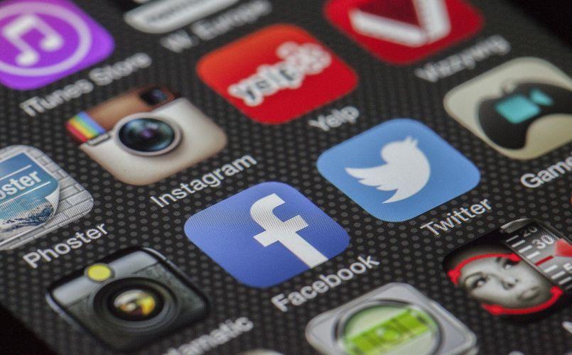smart phone social media apps